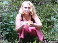 devushki-pisayut-krasivo-na-kameru